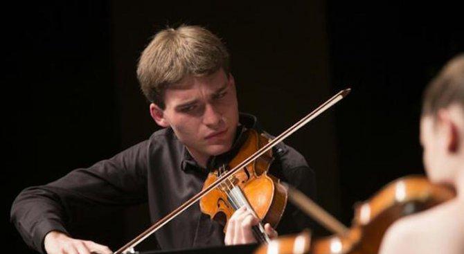 Американският цигулар Алекси Кени няма търпение да опознае София