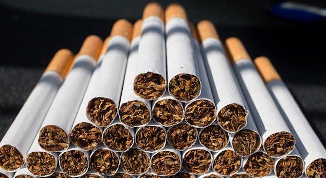 Заловиха двама мъже със 72 000 къса цигари без бандерол