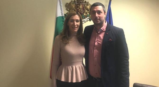 Ангелкова обсъди подготовката за предстоящия летен сезон с кмета на Царево