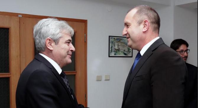 Радев към политически лидери в Скопие: Нашата обща цел е възможно най-скоро да видим Република Макед