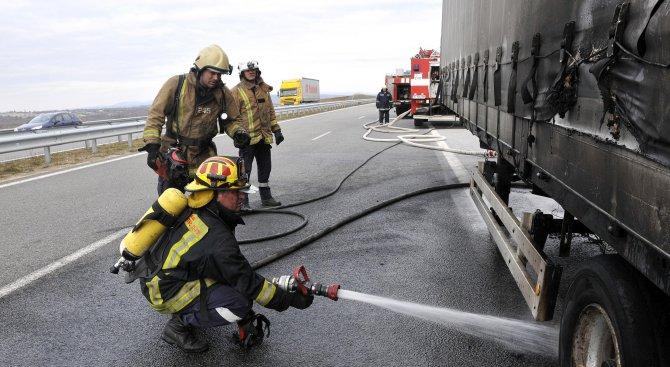 ТИР пламна на магистрала Марица (снимки)