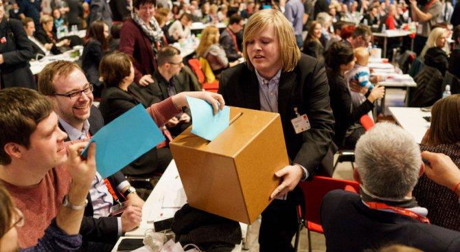 Започва преброяването на бюлетините в референдума на ГСДП за нова голяма коалиция с ХДС/ХСС