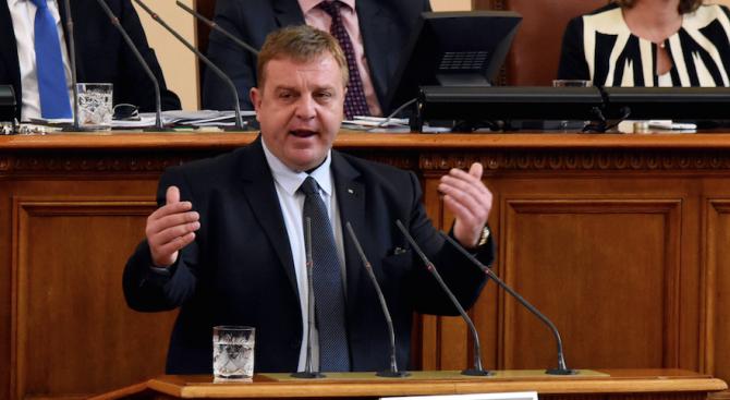 Каракачанов: Няма риск за коалицията. Дали Симеонов ще се извини или не, си е негово лично решение