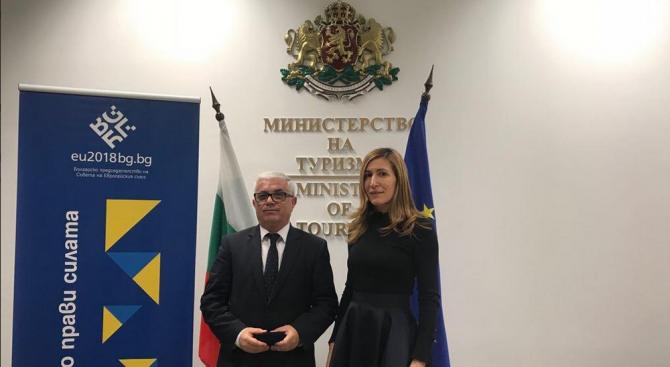 Министър Ангелкова проведе работна среща с посланика на Албания у нас
