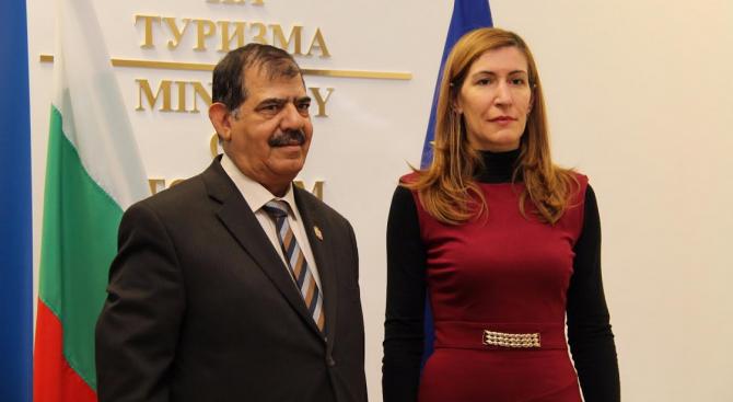 Министър Ангелкова се срещна с посланика на ОАЕ