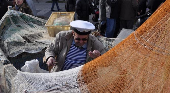 Рибарите гневни на липсата на контрол