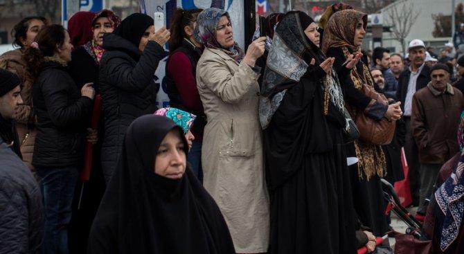 Турски имам: Жените да благодарят на Аллах за това, че мъжете ги бият