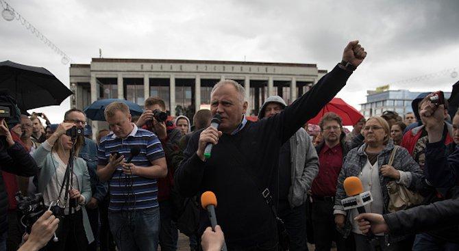 Беларуската полиция задържа в Минск известния опозиционер Николай Статкевич
