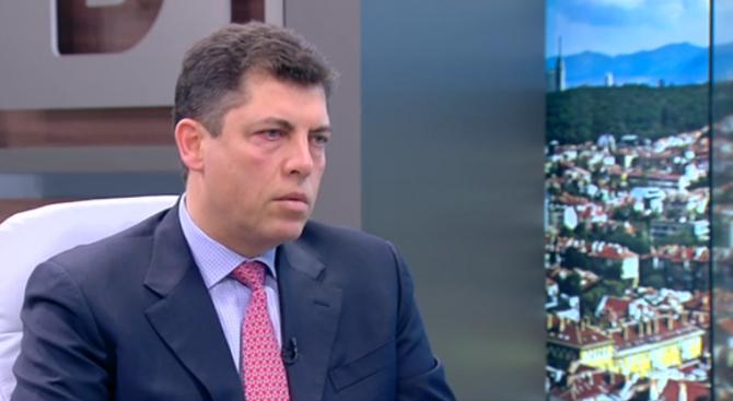 Милен Велчев: Държавата категорично не трябва да участва в сделката за ЧЕЗ