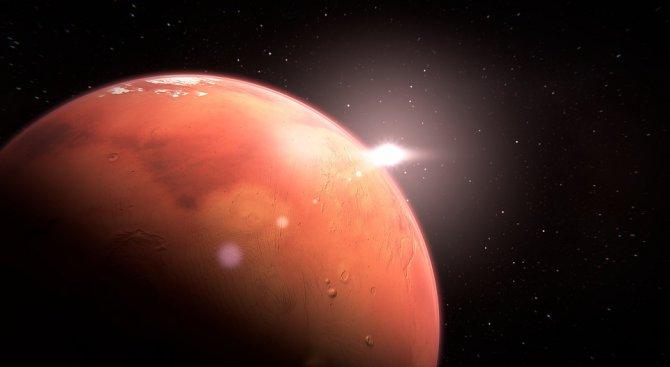"""Професор по космология """"откри"""" планетата Марс (снимки)"""