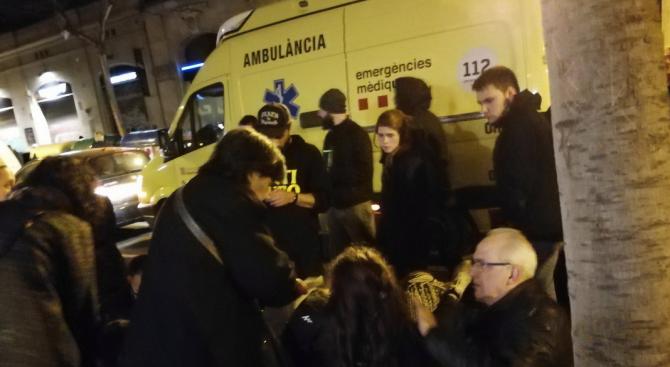 Над 10 000 на протест в Барселона срещу испанския съд (снимки+видео)