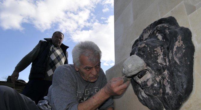 Ремонтираха паметника на 10-ти родопски полк в Хасково (снимки)