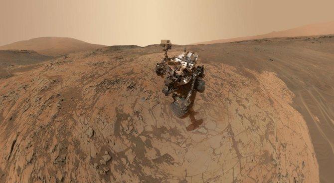 """""""Кюриосити"""" отбеляза 2000-ия си ден на Марс"""
