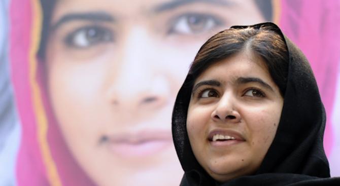 Малала Юсафзаи посети родния си град за първи път след нападението