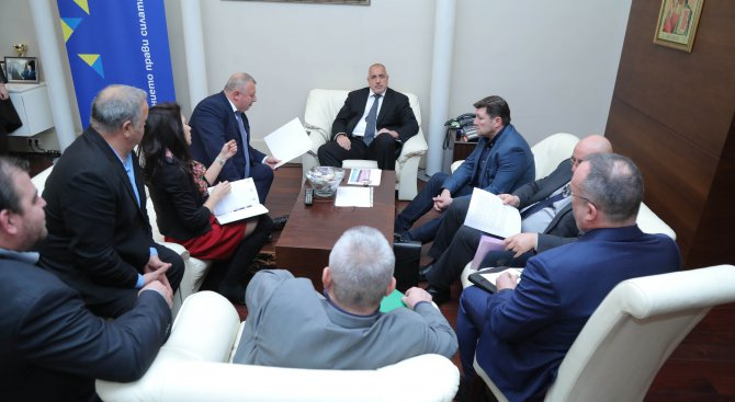 Борисов се разбра и със зърнопроизводителите, няма да има протести с тежки машини на 3 април (видео+