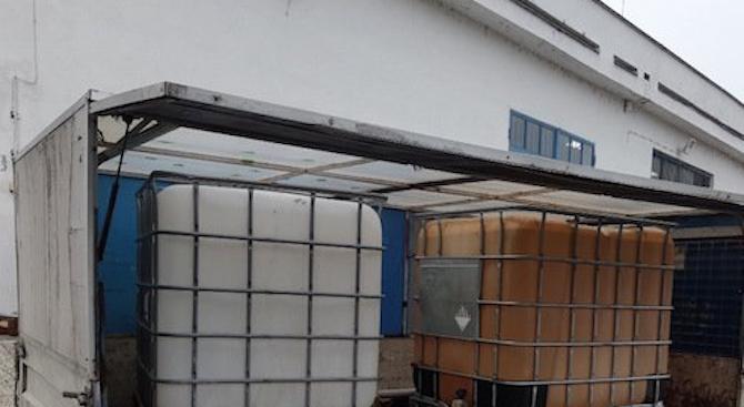 """Агенция """"Митници"""" отне лицензите на два данъчни склада на русенска рафинерия"""