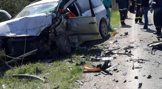 14 души са ранени при катастрофи за денонощието