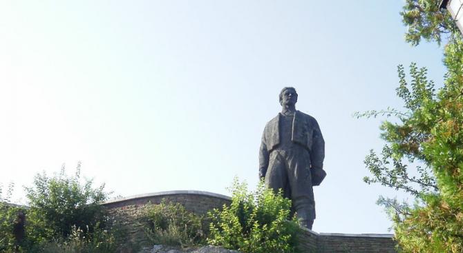 Откриват паметник на Васил Левски в гр. Своге