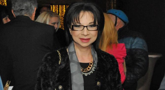 Цветанка Ризова се омъжва за младия анестезиолог Веселин Йолов на 6 май