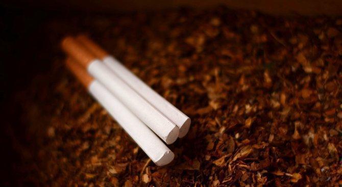 Хванаха жена с 3000 къса цигари без бандерол