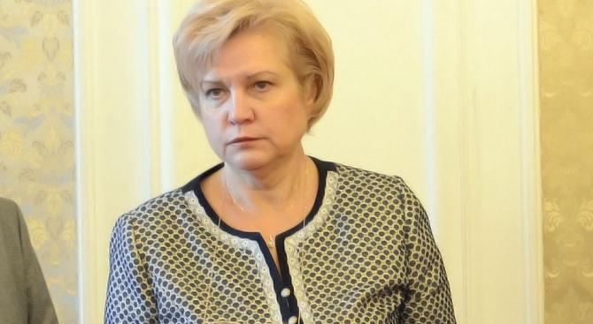 Менда Стоянова към БСП: Време е да замълчите (видео)