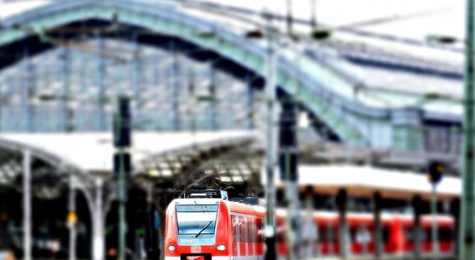 Мъж се хвърли под влака Перник - София