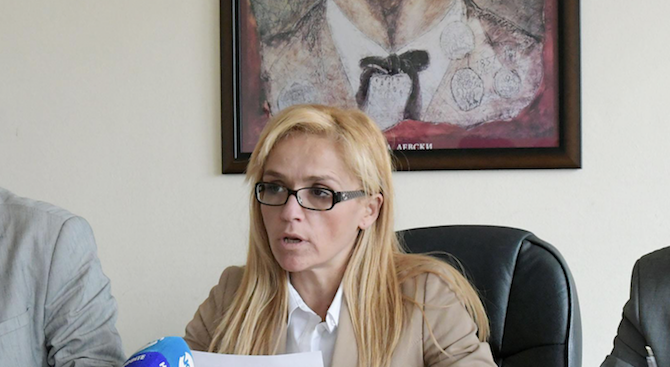 Шефът на антикорупционния орган: Иванчева е изнудвала строители заради дупка в закона