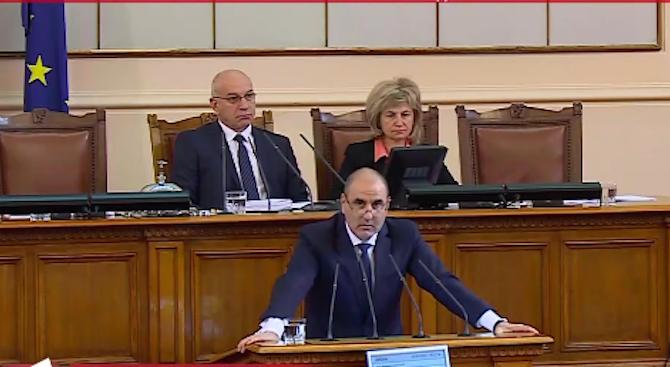 Цветанов: Трябва да се спрат спекулациите, че в България се строят най-скъпите магистрали (видео)