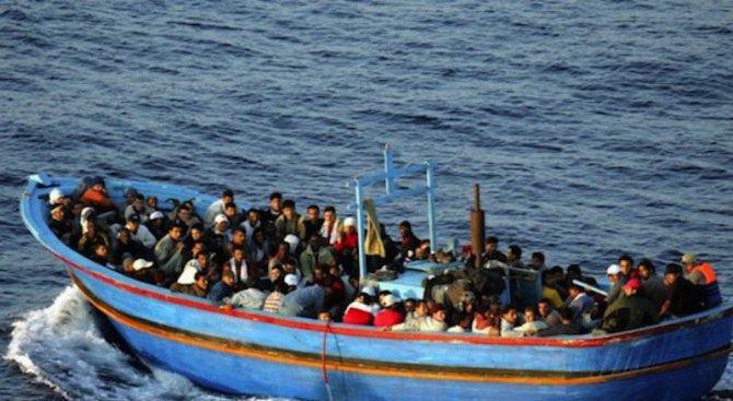 Испанските служби спасиха 476 мигранти в Средиземно море