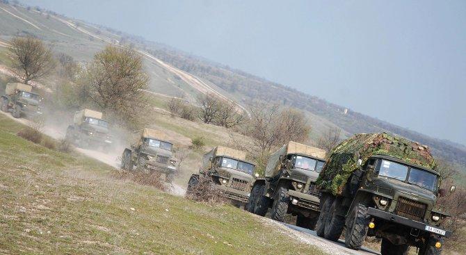 Военна техника тръгва към летище Доброславци