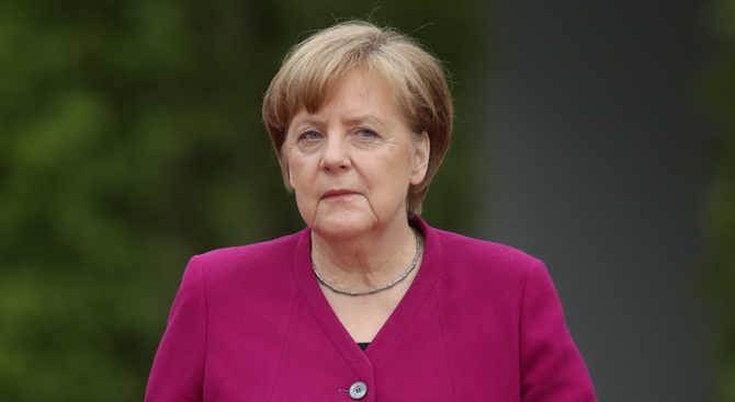 Ангела Меркел: Оттеглянето на САЩ от иранската ядрена сделка подкопава доверието в световния ред