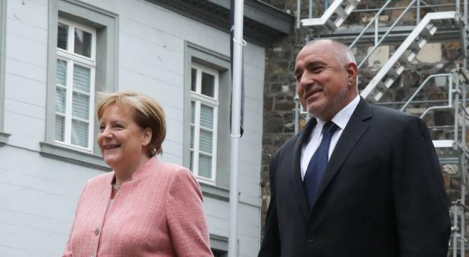 Борисов и Меркел обсъдиха предстоящата среща в София за Западните Балкани (видео)