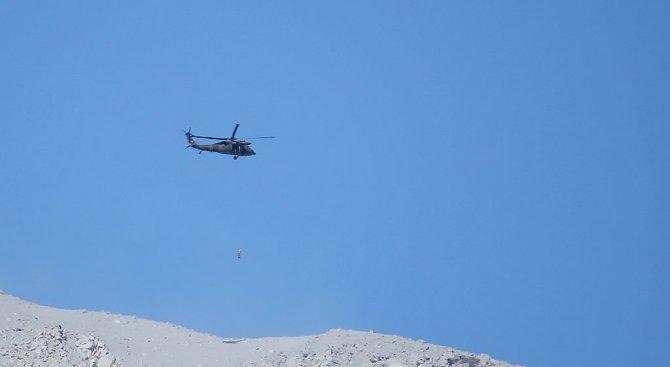 Два непалски хеликоптера се включват в спасителната акция на Боян Петров