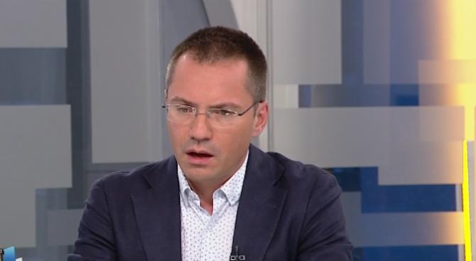 Ангел Джамбазки: Искаме да затворим вратата на фалшивите новини, които искат да сринат българския би