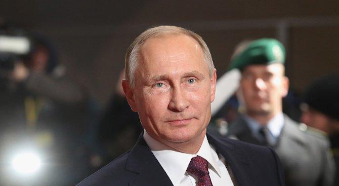 Путин каза, че Русия ще продължи напред с модернизацията на армията си