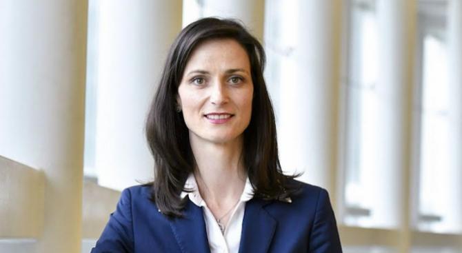 Мария Габриел ще обсъжда във Варна ролята на цифровизацията за развитието на регионите