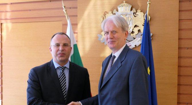 Франция и България ще засилят сътрудничеството си по отношение на етерично-маслените култури
