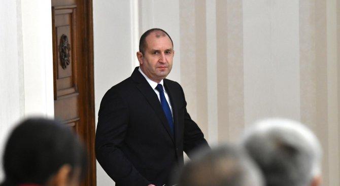 """Радев пред """"Комерсант"""": България не може да закупи от Русия изтребители МиГ"""