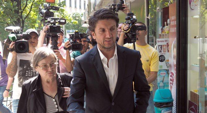 Предадоха на съд бившия директор на НДК Мирослав Боршош