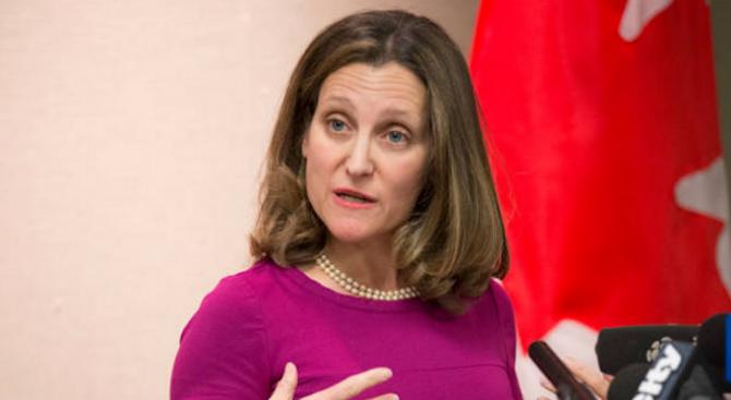 Канада отвръща с наказателни мита върху редица американски стоки