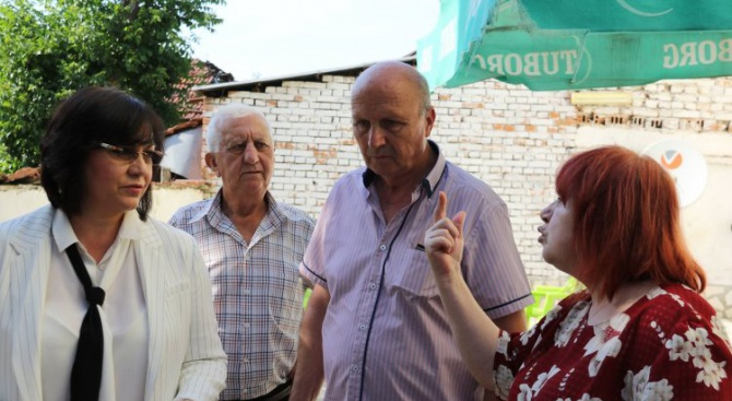 Нинова в Галиче: Изборите тук бяха подменени и фалшифицирани