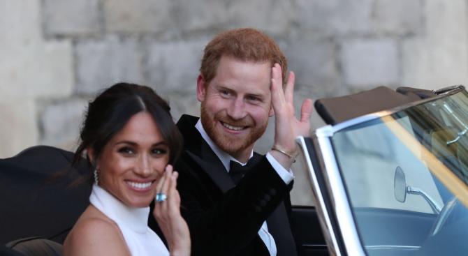 Хари и Меган връщат подаръци за 7 млн. лири