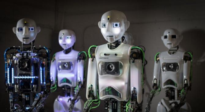Британски учени: Сексът с роботи не помага