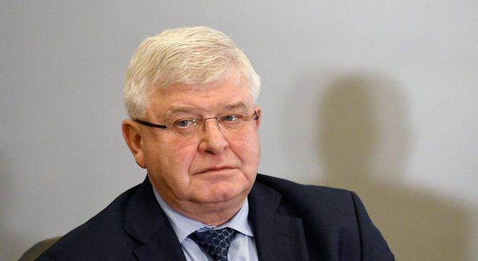 Кирил Ананиев: Ще предложа на правителството специализацията на бъдещите лекари да е за сметка на държавния бюджет