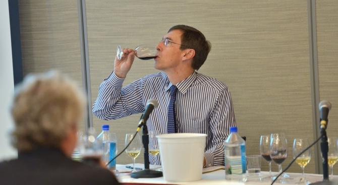 Британски учени: Пиещите служители са по-здрави!