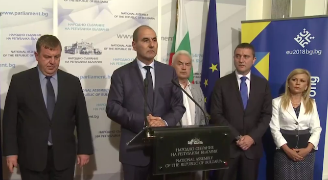 Цветан Цветанов: Не е коректно да има политическо противопоставяне след трагичния инцидент в Крумово (видео)