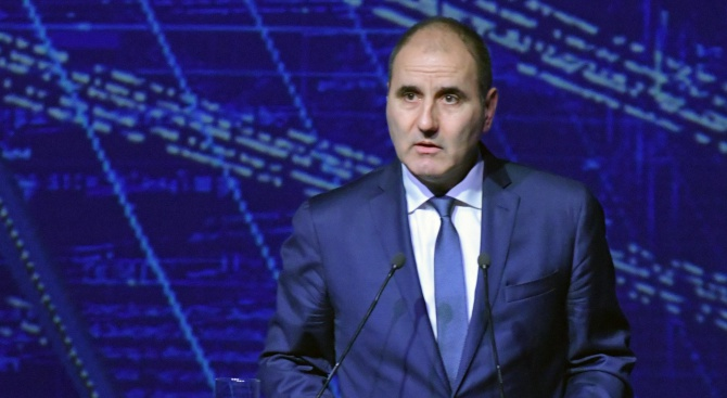 Цветанов: Не сме притеснени от вота на недоверие на БСП