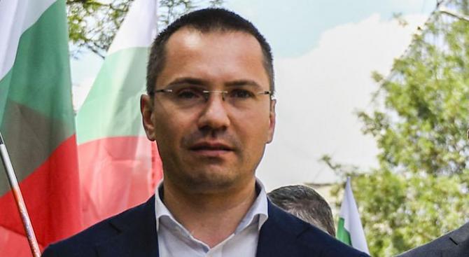 Ангел Джамбазки внесъл сигнал до Цацаров за натиск и заплахи срещу общински съветници в Балчик