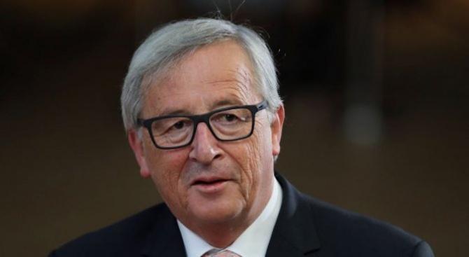 Юнкер свиква извънредна среща на ЕС за миграцията