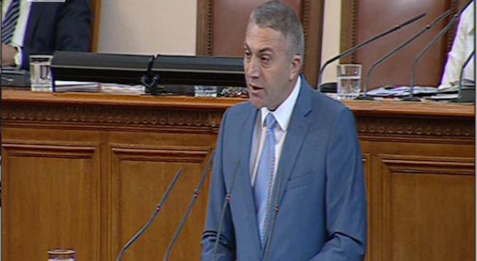 Мустафа Карадайъ: Държавното управление разчита на хаоса, демокрацията е в опасност (видео)